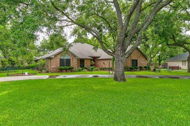 8417 Westover Circle, Granbury, TX 76049 (MLS #14371747) :: Team Tiller