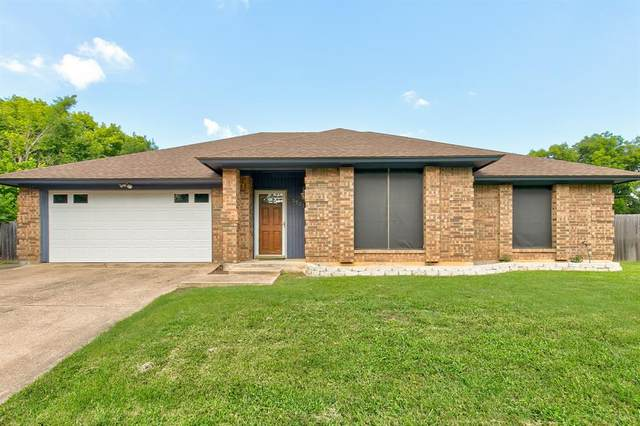 3701 Woodside Drive, Arlington, TX 76016 (MLS #14373916) :: Team Tiller