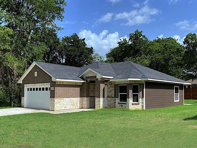 808 E 7th Street, Bonham, TX 75418 (MLS #14378552) :: Baldree Home Team