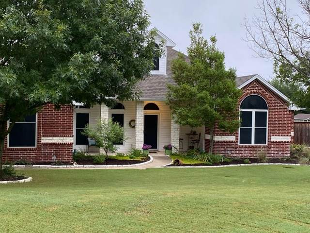 914 Country Creek Lane, Red Oak, TX 75154 (MLS #14381670) :: NewHomePrograms.com LLC