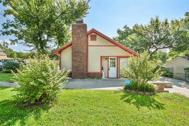 1016 N Rusk Street, Weatherford, TX 76086 (MLS #14382587) :: The Kimberly Davis Group