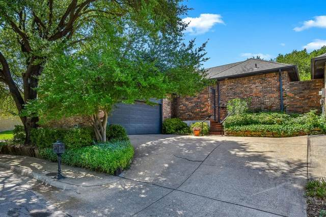 6226 Twin Oaks Circle, Dallas, TX 75240 (MLS #14382968) :: Frankie Arthur Real Estate