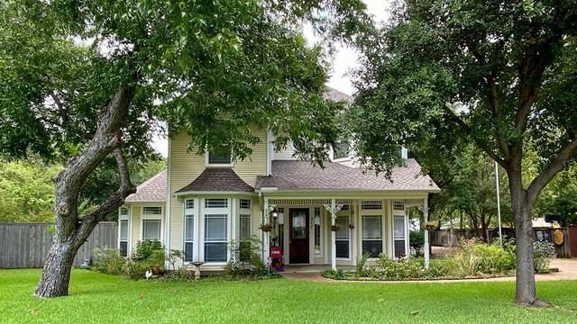 317 N Edna Avenue, Lewisville, TX 75057 (MLS #14383080) :: The Paula Jones Team | RE/MAX of Abilene