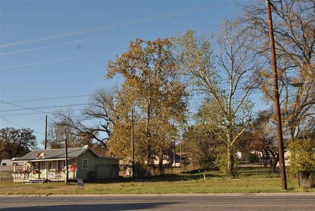 1205 E Central Avenue, Comanche, TX 76442 (MLS #14383832) :: Team Tiller