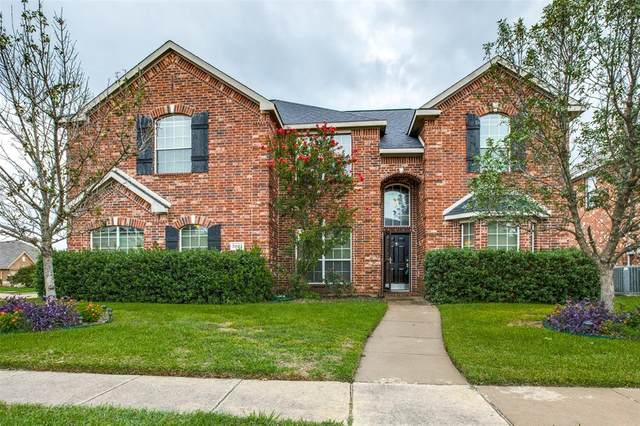 5803 Weathered Trail, Grand Prairie, TX 75052 (MLS #14386775) :: Trinity Premier Properties