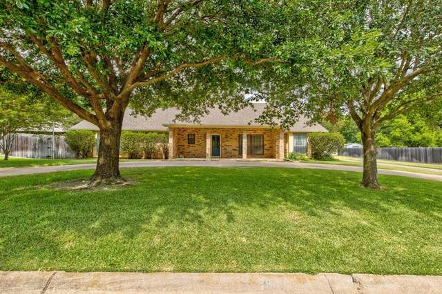 902 Highland Drive, Cleburne, TX 76033 (MLS #14393262) :: Maegan Brest   Keller Williams Realty