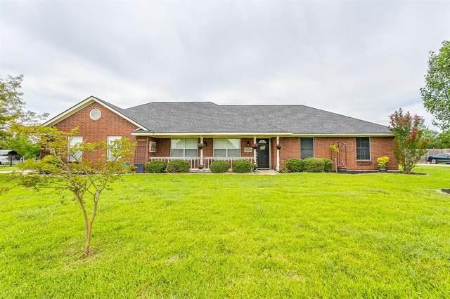 1122 W Sharpshire Drive, Waxahachie, TX 75165 (MLS #14399742) :: The Tierny Jordan Network