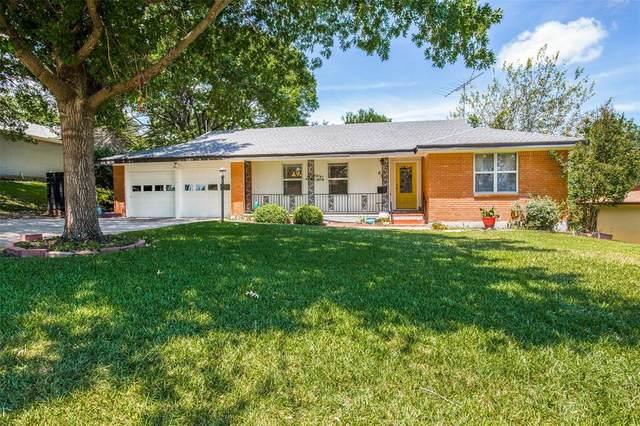 6928 Bal Lake Drive, Fort Worth, TX 76116 (MLS #14399907) :: Keller Williams Realty
