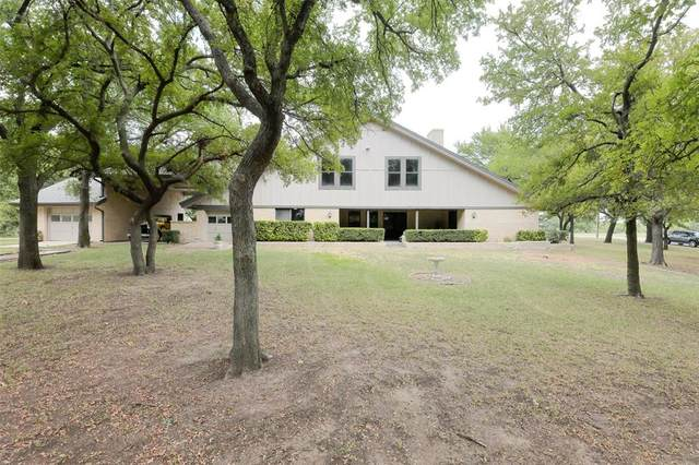 313 Lakeview Drive, Runaway Bay, TX 76426 (MLS #14406094) :: The Hornburg Real Estate Group