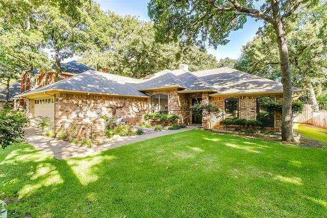 941 Glen Oak Drive, Burleson, TX 76028 (MLS #14411693) :: The Kimberly Davis Group
