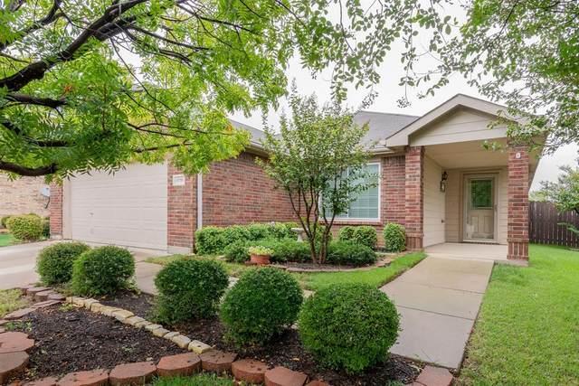 10700 Emerald Park Lane, Fort Worth, TX 76052 (MLS #14427264) :: Team Tiller