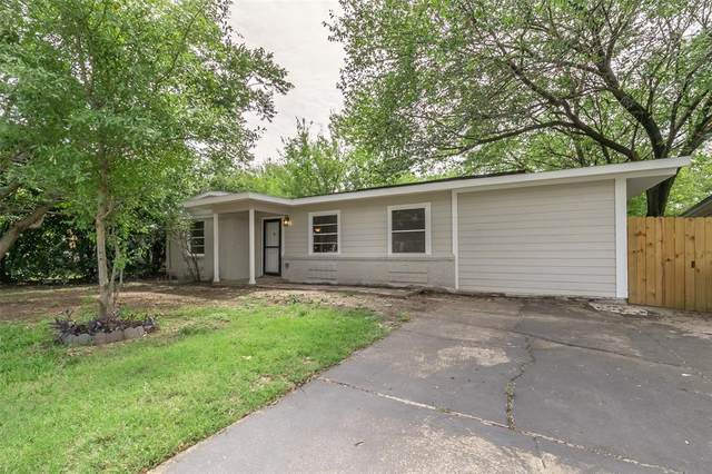 408 Carswell Terrace, Arlington, TX 76010 (MLS #14429581) :: Maegan Brest | Keller Williams Realty