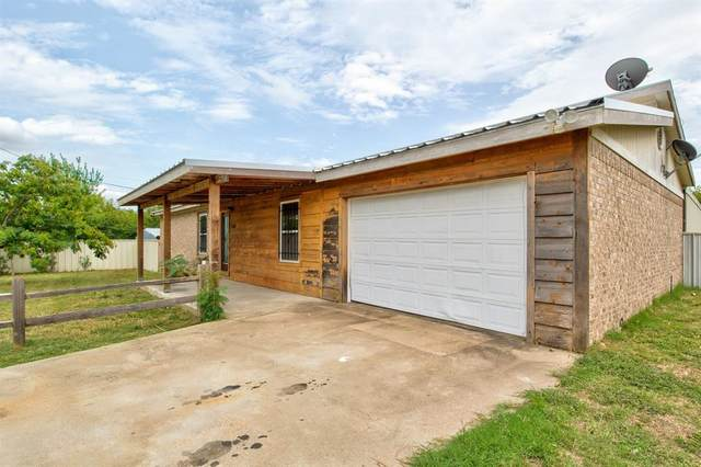 2301 Mitchell Bend Highway, Granbury, TX 76048 (MLS #14430606) :: Real Estate By Design