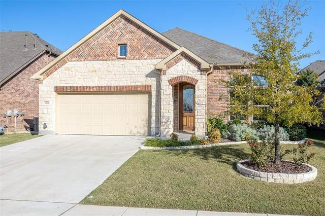 15432 Bluffdale Drive, Fort Worth, TX 76262 (MLS #14433669) :: The Mauelshagen Group