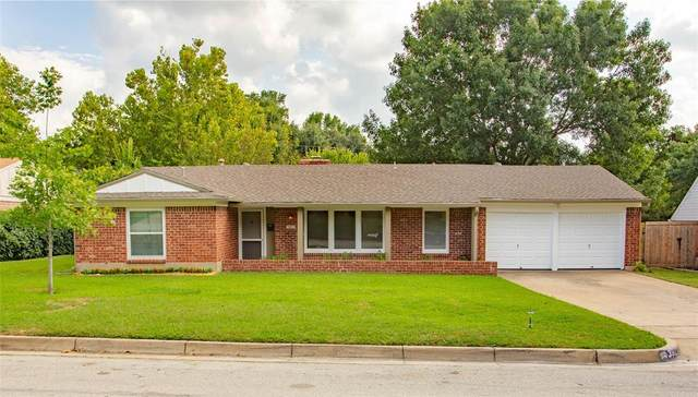 3921 Wosley Drive, Fort Worth, TX 76133 (MLS #14434381) :: Frankie Arthur Real Estate