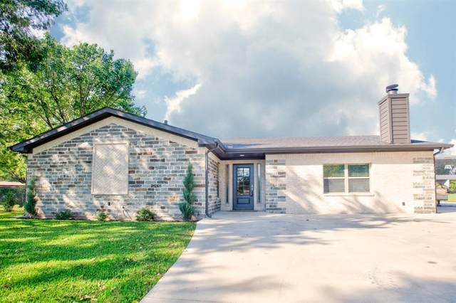 301 E Fairlane Drive, Pilot Point, TX 76258 (MLS #14434885) :: EXIT Realty Elite