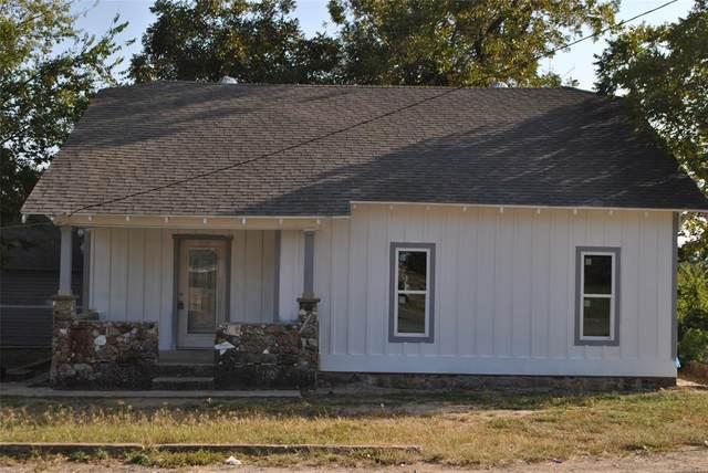 700 E Highland Avenue, Comanche, TX 76442 (MLS #14445260) :: The Daniel Team