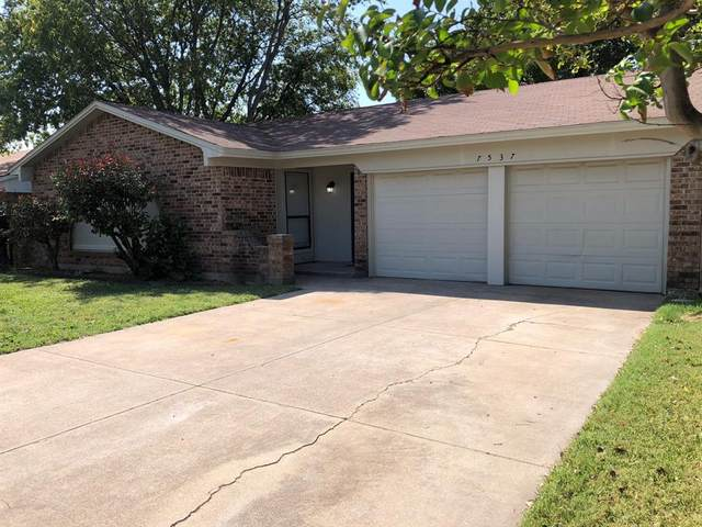 7537 N Meadowlark Lane N, Watauga, TX 76148 (MLS #14447750) :: The Paula Jones Team | RE/MAX of Abilene