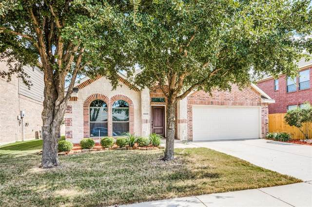 4029 Hunter Peak Road, Fort Worth, TX 76262 (MLS #14454892) :: The Mauelshagen Group