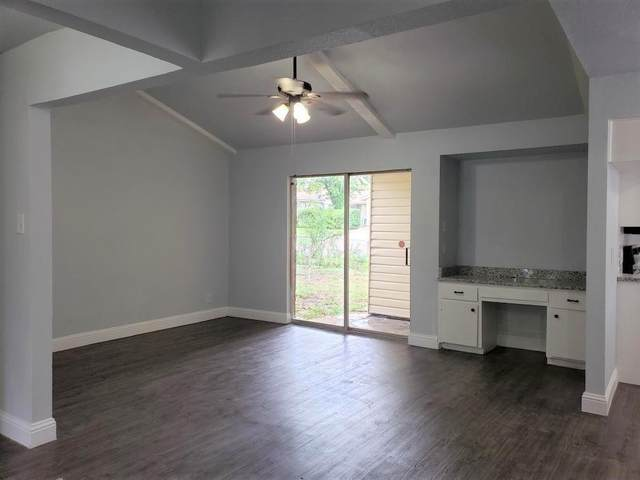 623 Blue Grass Drive, Dallas, TX 75211 (MLS #14459200) :: The Kimberly Davis Group