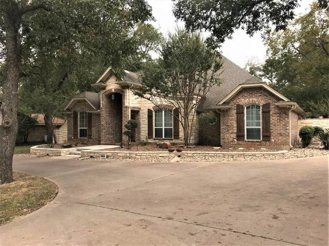 8904 Woodlawn Drive, Granbury, TX 76049 (MLS #14459595) :: Maegan Brest | Keller Williams Realty