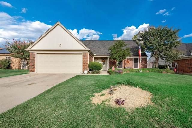 4114 Scotland Drive, Grand Prairie, TX 75052 (#14461111) :: Homes By Lainie Real Estate Group