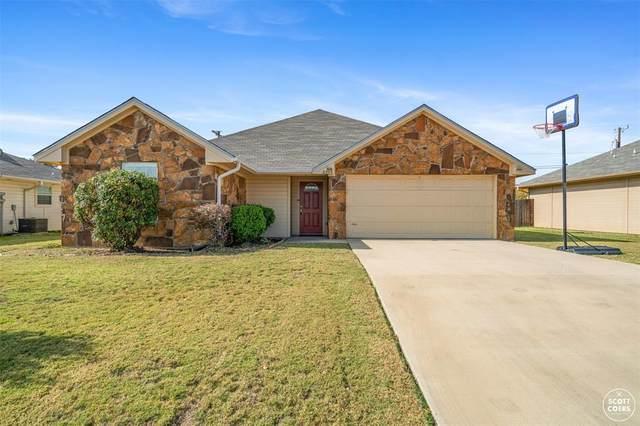2205 8th Street, Brownwood, TX 76801 (MLS #14461920) :: The Kimberly Davis Group