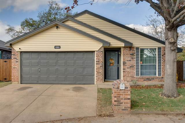 1201 Nicole Way, Burleson, TX 76028 (MLS #14473299) :: All Cities USA Realty
