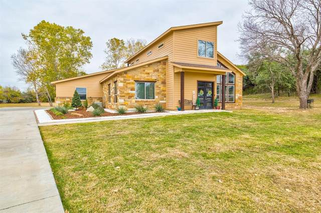 1900 Wigeon Street, Granbury, TX 76049 (MLS #14475850) :: The Mauelshagen Group