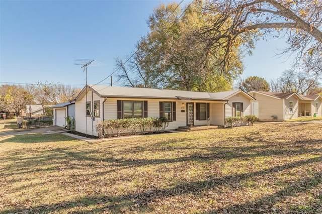 2701 Janice Lane, Fort Worth, TX 76112 (MLS #14477188) :: The Kimberly Davis Group