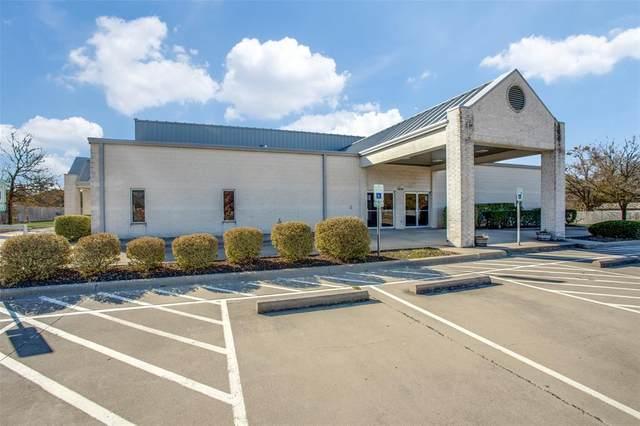 3806 Curry Road, Arlington, TX 76001 (MLS #14482546) :: The Kimberly Davis Group