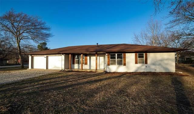 301 E Lake Street, Krum, TX 76249 (MLS #14485844) :: The Mauelshagen Group