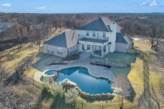 114 Hogan Place, Runaway Bay, TX 76426 (MLS #14487236) :: Frankie Arthur Real Estate