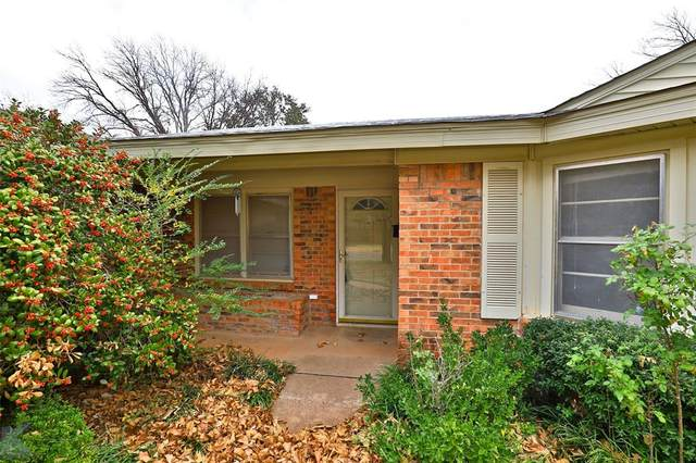 2033 Greenbriar Drive, Abilene, TX 79605 (MLS #14497038) :: Maegan Brest | Keller Williams Realty