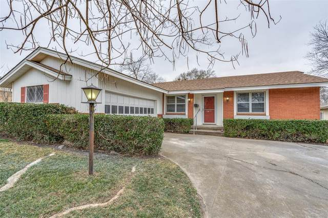 8735 Mosswood Drive, Dallas, TX 75227 (MLS #14497264) :: The Mauelshagen Group