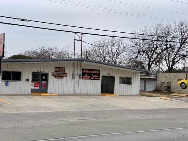 343 N Saginaw Boulevard, Saginaw, TX 76179 (MLS #14500564) :: The Kimberly Davis Group