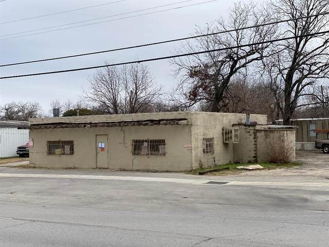 345 N Saginaw Boulevard, Saginaw, TX 76179 (MLS #14501229) :: The Kimberly Davis Group