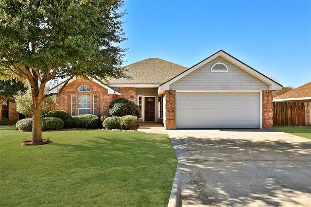 3150 Beacon Hill Road, Abilene, TX 79601 (MLS #14501450) :: NewHomePrograms.com
