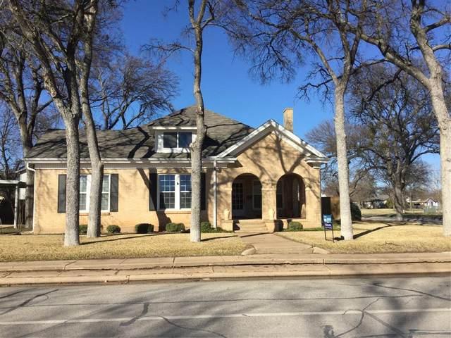 802 W Main, Olney, TX 76374 (MLS #14502706) :: The Chad Smith Team