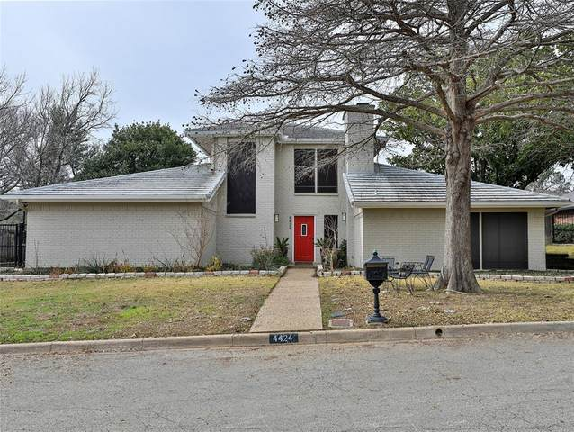 4424 Mike Lane, Fort Worth, TX 76116 (MLS #14504300) :: The Chad Smith Team