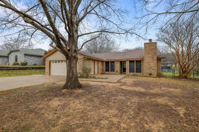 1424 W Ball Street, Weatherford, TX 76086 (MLS #14506029) :: The Property Guys