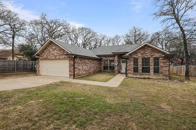 409 Meadowcrest Drive, Azle, TX 76020 (MLS #14515161) :: Trinity Premier Properties
