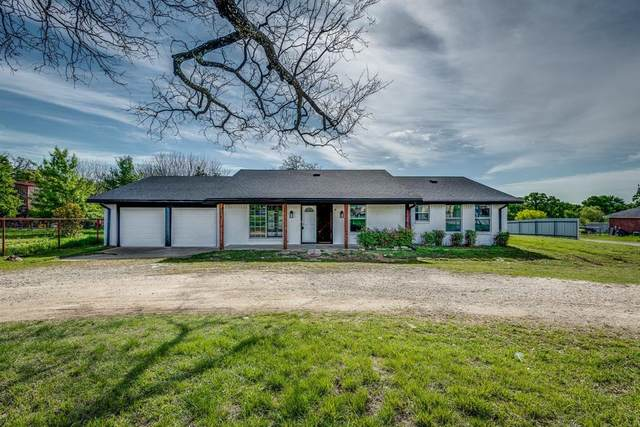 2521 E Renfro Street, Burleson, TX 76028 (MLS #14519977) :: Rafter H Realty