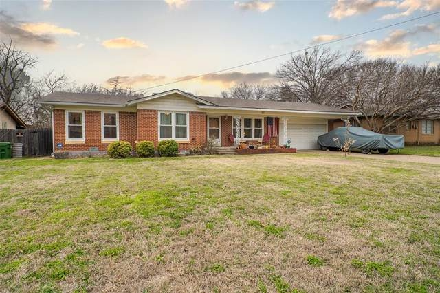 317 Souder Drive, Hurst, TX 76053 (MLS #14520156) :: The Chad Smith Team