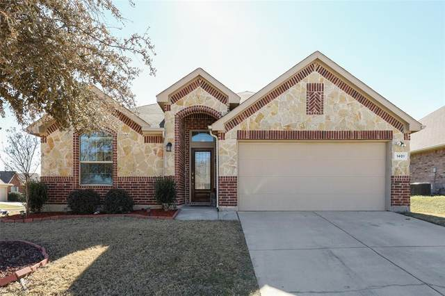1401 Dun Horse Drive, Fort Worth, TX 76052 (#14520870) :: Homes By Lainie Real Estate Group