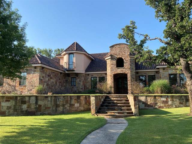 117 Country Club Drive, Graham, TX 76450 (MLS #14523592) :: Jones-Papadopoulos & Co