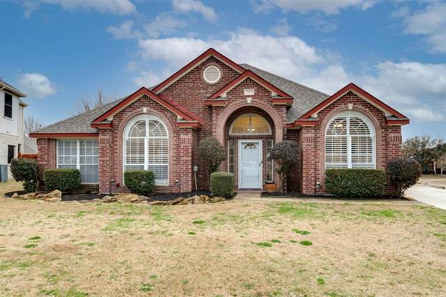 1500 Hampton Drive, Mansfield, TX 76063 (MLS #14523911) :: The Kimberly Davis Group