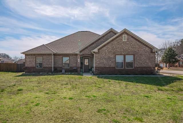 141 Ocean Lake Drive, Edgewood, TX 75117 (MLS #14530368) :: The Rhodes Team