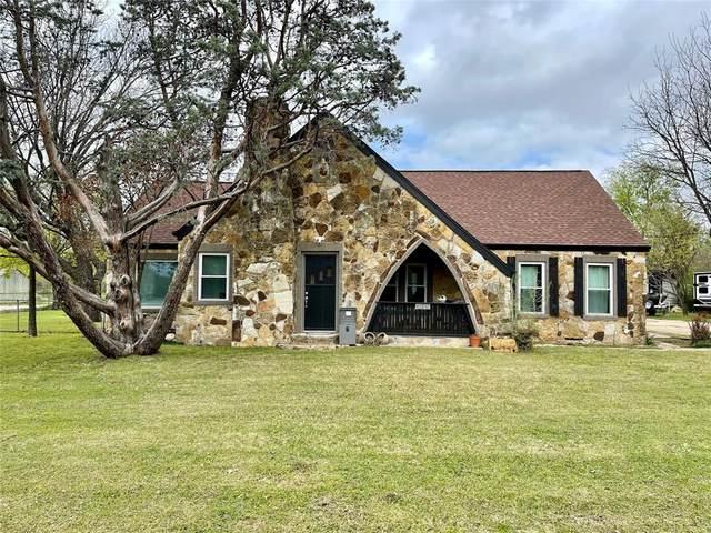 626 Woodard Avenue, Cleburne, TX 76033 (MLS #14541961) :: Frankie Arthur Real Estate