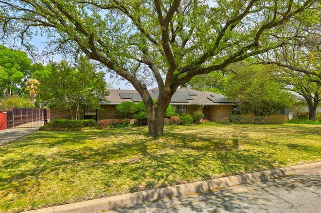 16 Legend Road, Benbrook, TX 76132 (MLS #14546285) :: The Hornburg Real Estate Group